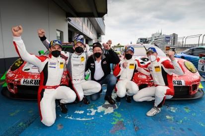 """""""Ein Doppelsieg für Sabine"""": Emotionaler Triumph für Frikadelli Racing"""
