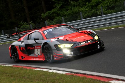24h Nürburgring 2021: Reifenpoker und Unfälle bringen Audi um Siegchance