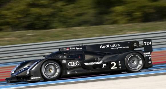 Audi 2012 aracını Sebring'de test ediyor