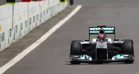 Schumi: Olay Senna'nın tecrübesizliğinden
