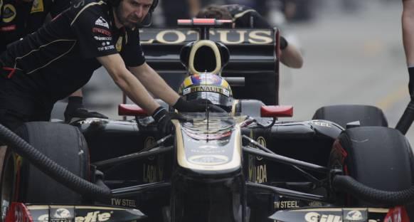 Renualt'da Petrov mutlu Senna üzgün
