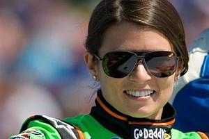NASCAR Son dakika Danica Patrick, tam zamanlı NASCAR'da