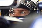 Vettel pole'ü aldı, güveni geri geldi