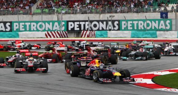 Vettel Malezya'nın sıcağını Red Bull ile aştı