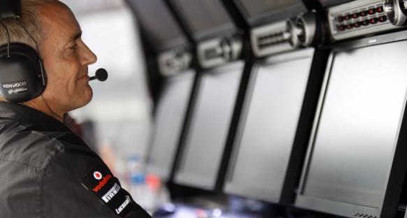 McLaren yarışı kazanmak için ümitlendi