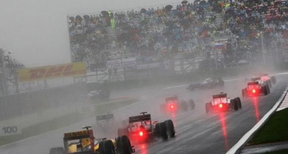 Barrichello: 'Yarışın tamamlanmasına izin verilmemeliydi'