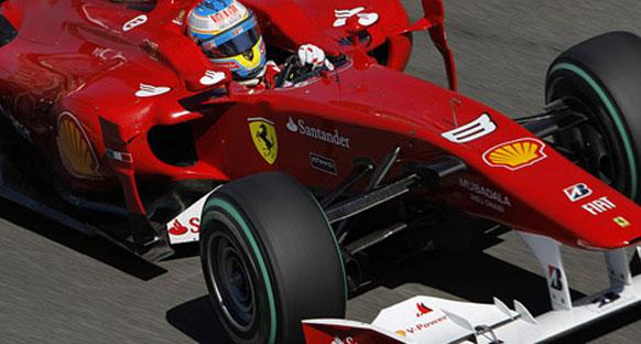 Alonso Ferrari'nin evinde pole pozisyonunda