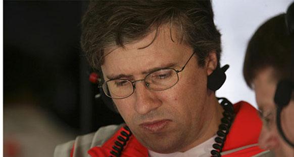 Eski Mclaren çalışanı Fry, Ferrari üniformasını giydi