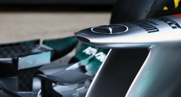 Mercedes 2011'de aynı pilotlarla devam etmek istiyor
