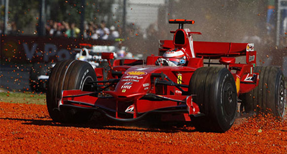 Ferrari zamana karşı yarışıyor