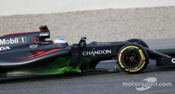 Alonso: Honda Mercedes'ten beygir gücü olarak geride