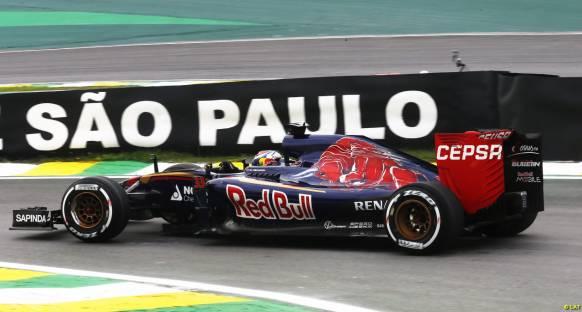 Verstappen Hamilton'un geçişlerle olan sıkıntısını anlıyor