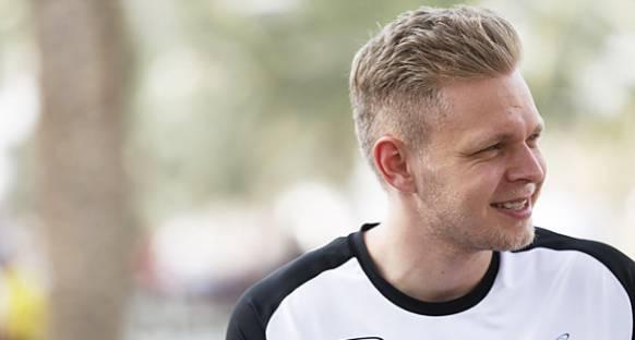 Boullier: Magnussen 2016'da Yarışmayı Hak Ediyor