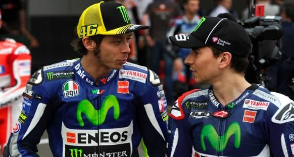 Rossi ve Lorenzo yaşadıkları kazalara rağmen yarışa hazır