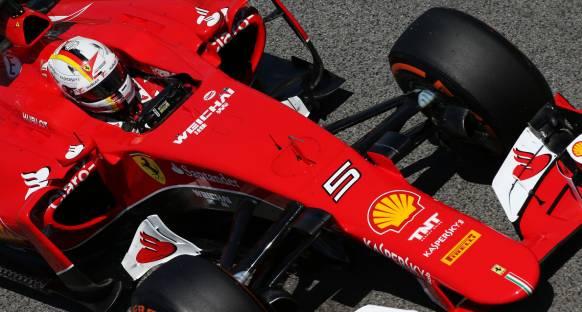 Vettel: Mercedes'le aradaki fark kötü haber