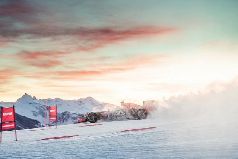 Сніжні заїзди Red Bull: Макс переміщує гори