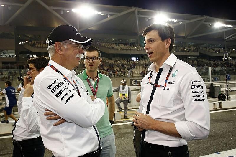 FIA відповіла на запит Mercedes