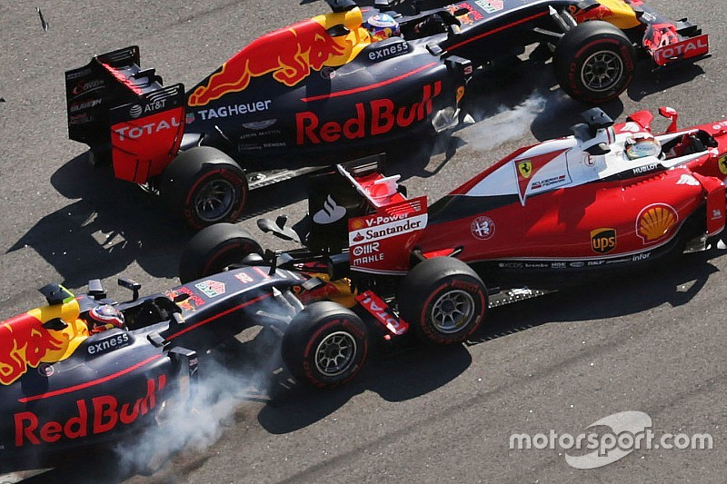 Kvyat no considera haber frenado tarde contra Vettel
