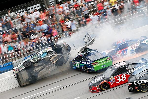 NASCAR Cup Vidéos - Des crashs à la pelle à Talladega