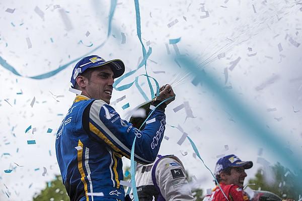Buemi aprieta el campeonato con Daniel Abt desafiando órdenes de equipo