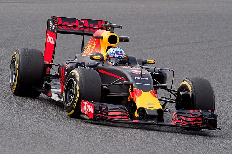 Red Bull geeft nieuwe Renault-motor aan Ricciardo, Verstappen moet wachten