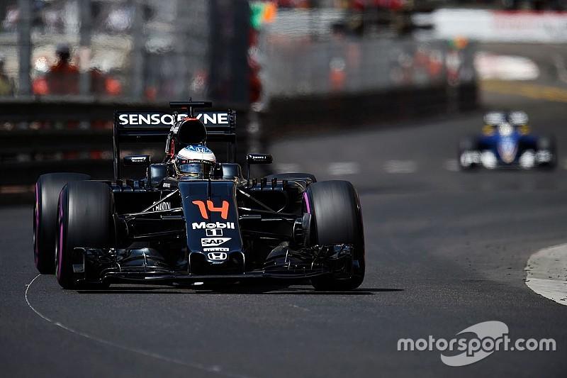 ألونسو يفتقر إلى الثقة داخل سيارته في موناكو