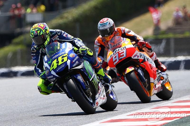 MotoGP Barcelona: Valentino Rossi bezwingt Marc Marquez