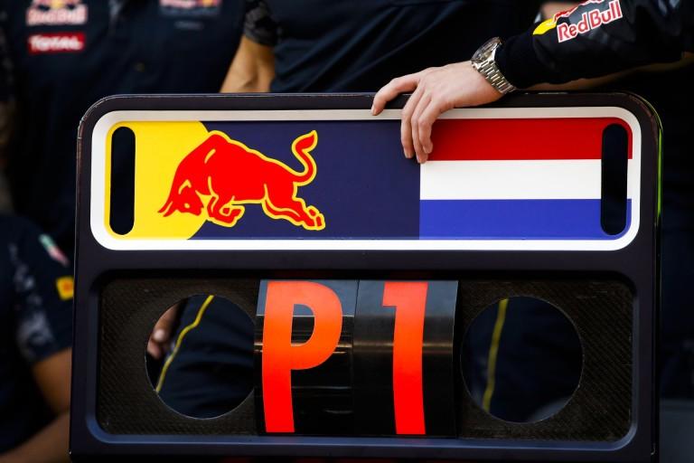 Hidegrázós: holland futballmérkőzésen énekelték Verstappen nevét (videó)