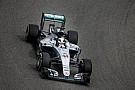 Hivatalos: Hamilton nem kap büntetést, megtarthatja az első helyét Bahreinben
