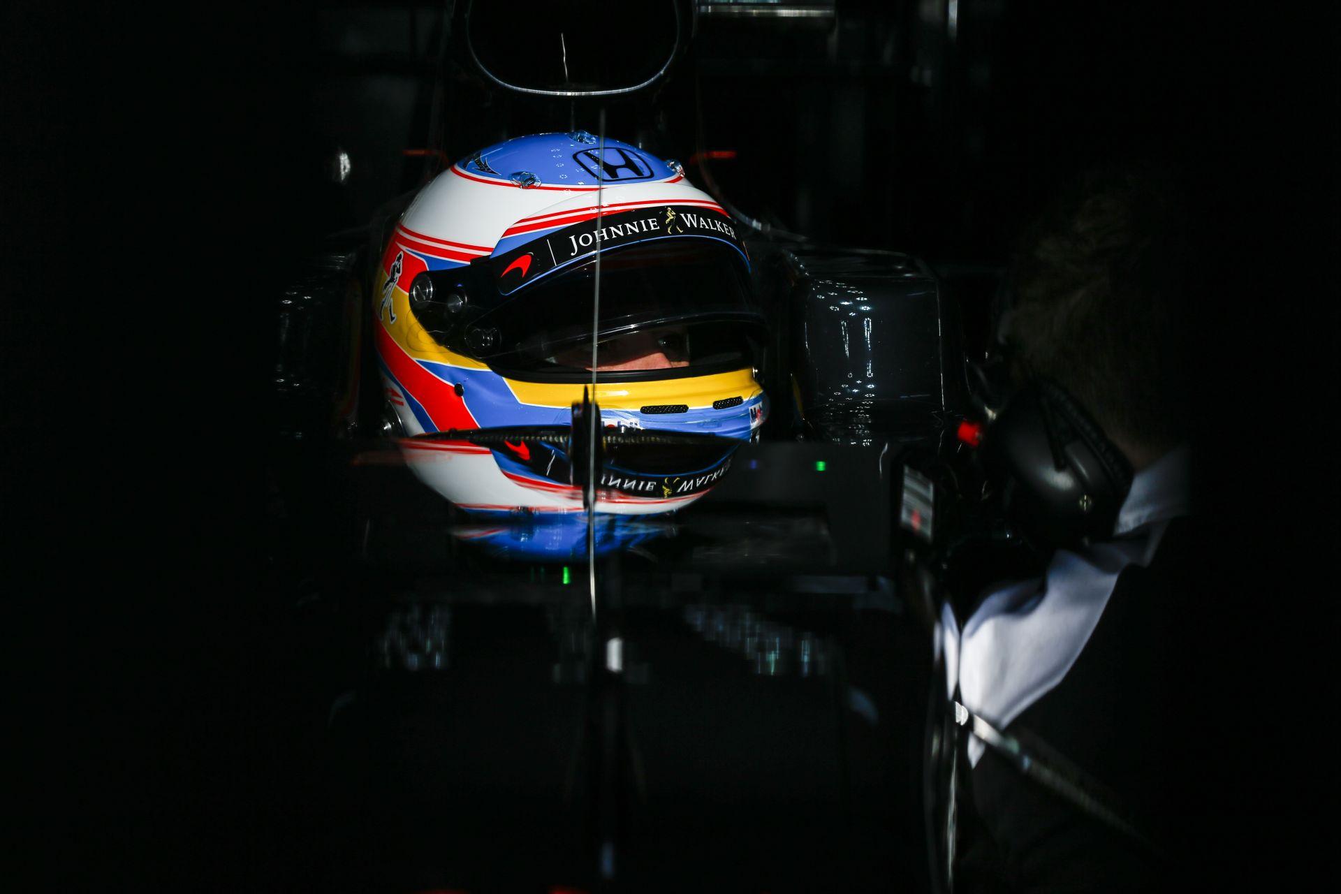 Hivatalos: Alonso rajthoz állhat Kínában a McLarennel