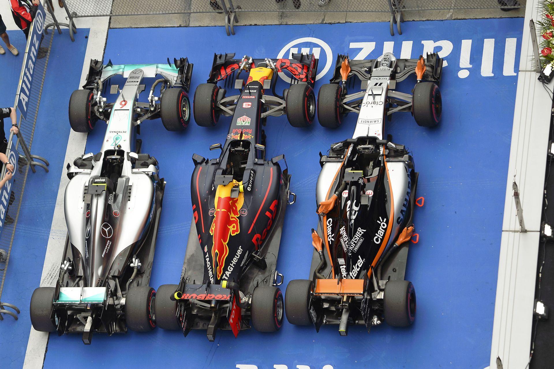 """Nagyon """"csúnya"""", amit a Red Bull művel az F1-ben: a Mercedes és a Ferrari áldja az eget"""