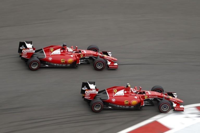ÉLŐ F1-ES MŰSOR: Vettel megint kilöki Kimit és a Ferrari ismét elbénázza a győzelmet? Norbi és Rossi a király!