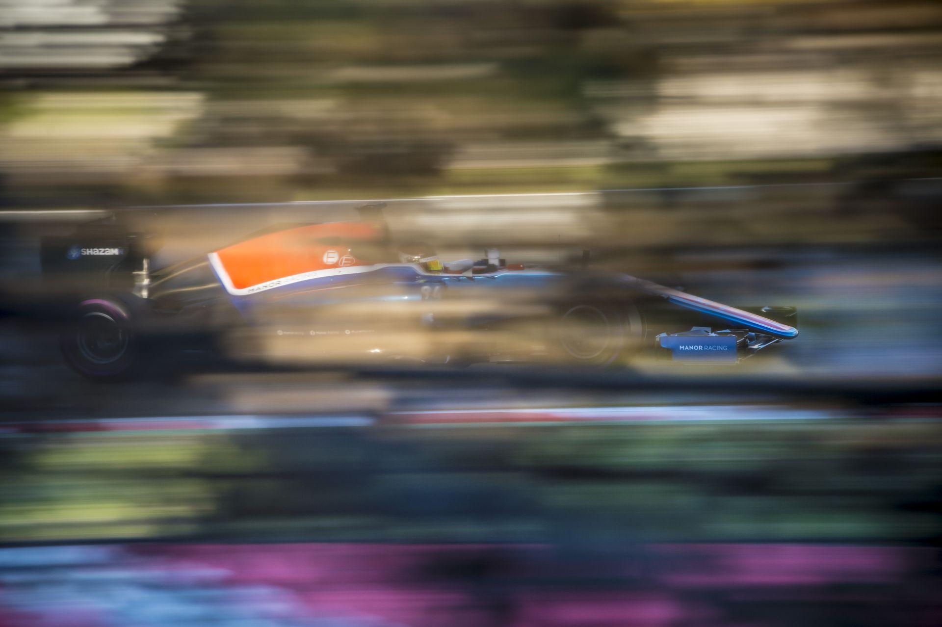 A Manor F1 Team MR.T-je szinte csak az alacsony súlypontra építhet!
