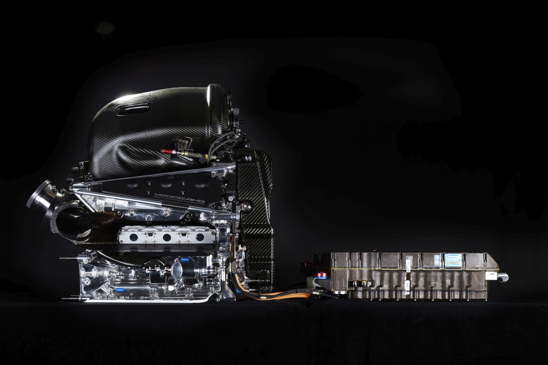 A Mercedes motorja olyan, mint egy aranybánya, és mindig találnak benne rögöt