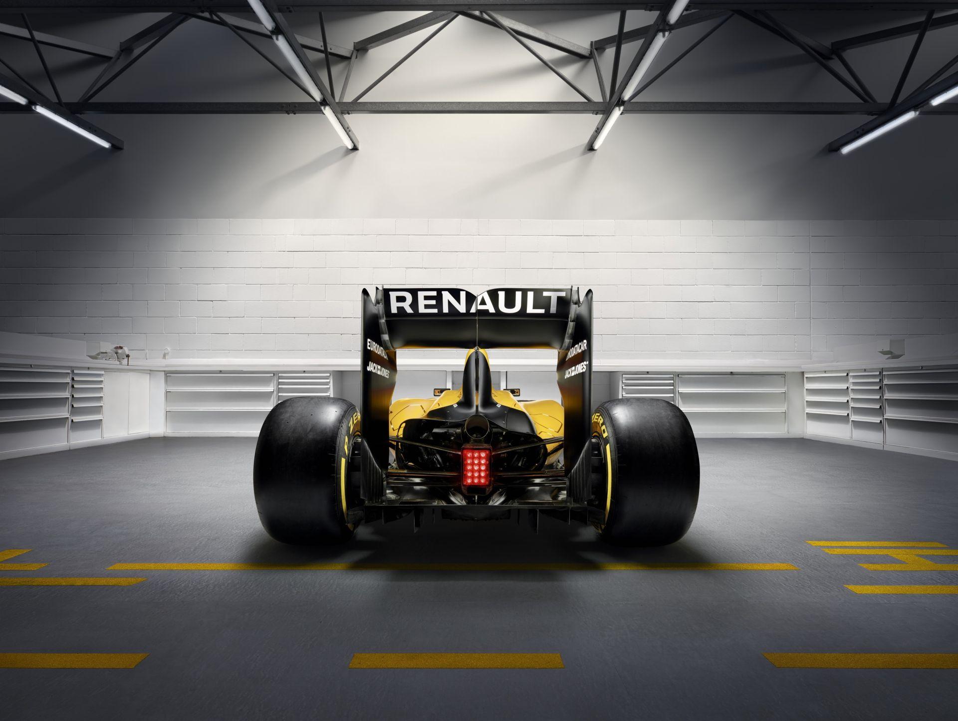 Az első F1-autó, mely szörfözött: villanyfényes futamon ragyogni fog az RS16