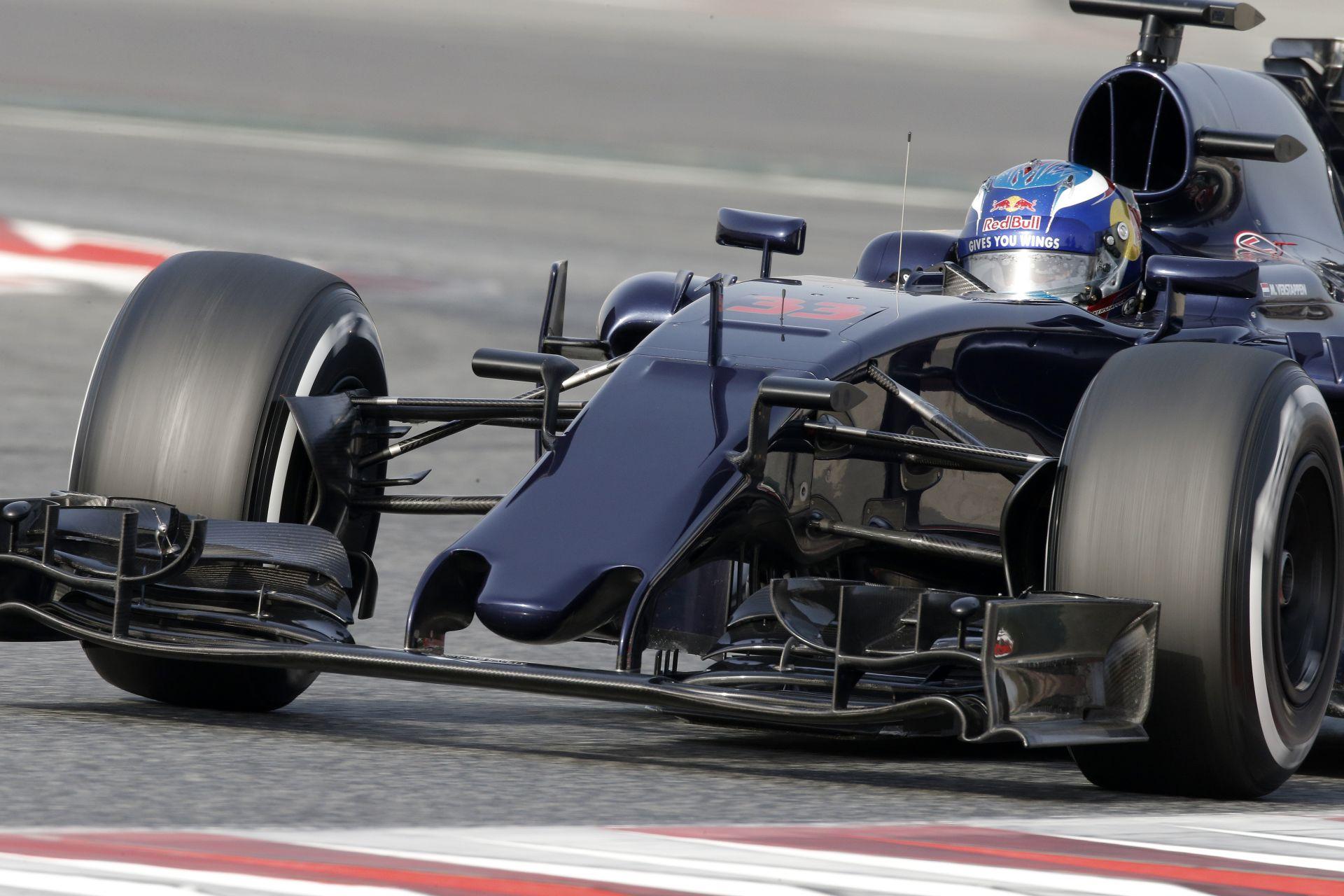 Az új Toro Rosso nem igazán új: Verstappen azonban boldog