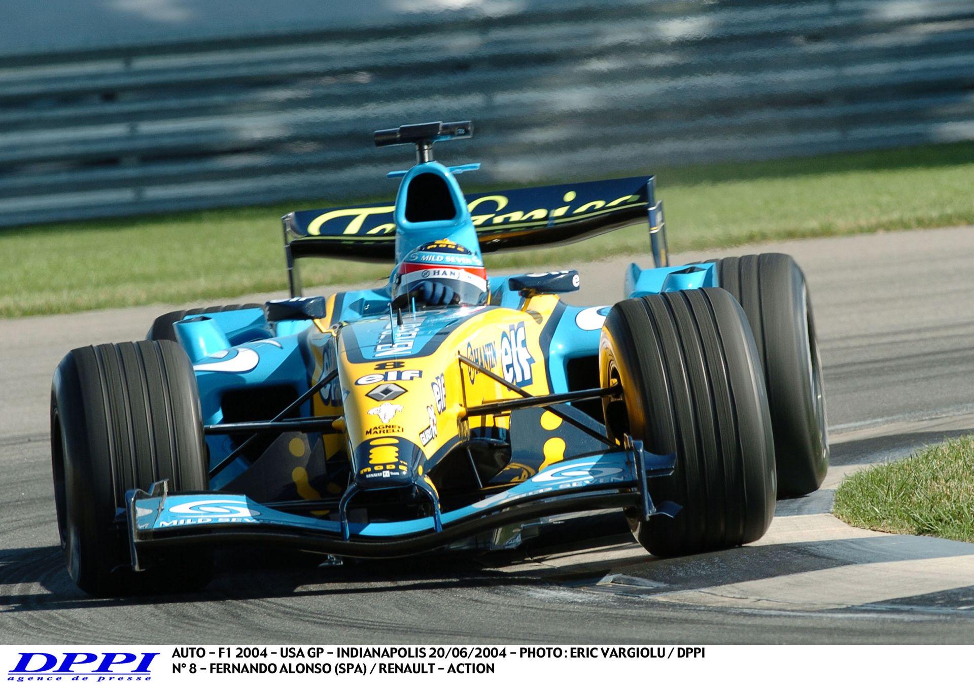 Alonso 350 km/óránál kapott defektet: para!