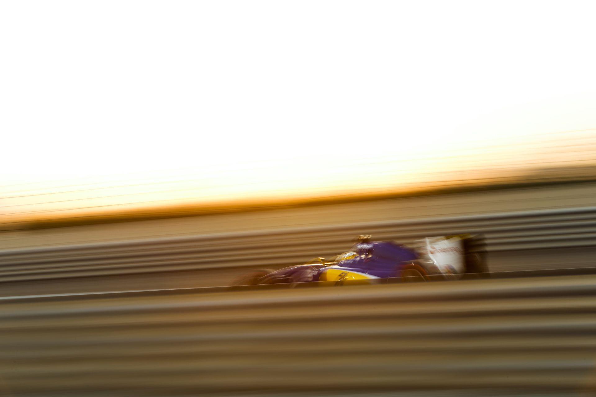 Csak a 2. teszten érkezik a Sauber idei autója
