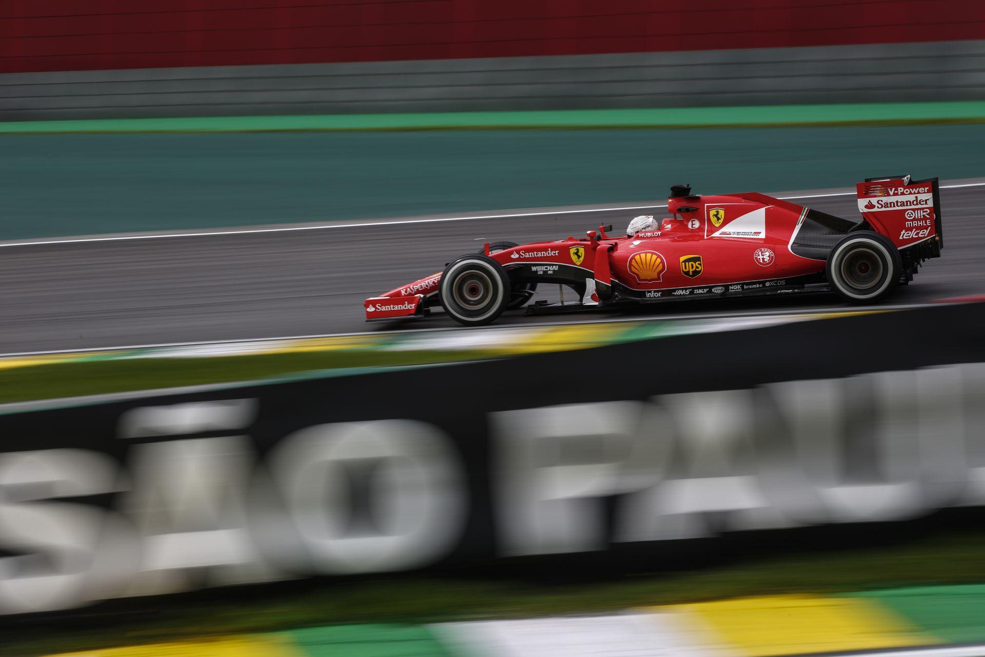 Videón, ahogy Vettel rajtol egyet a Ferrarival Interlagosban