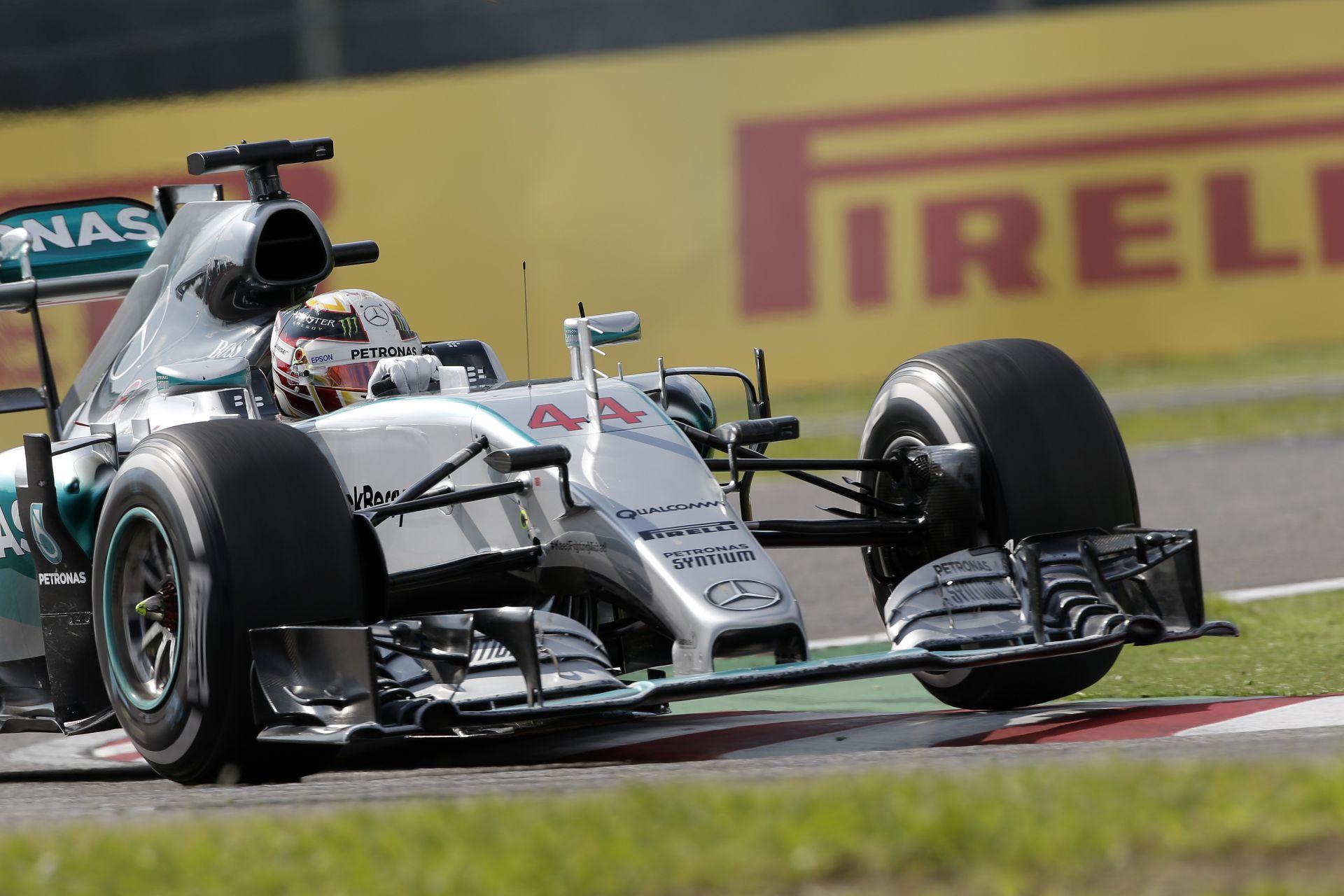 A Mercedes továbbra sem áll le a fejlesztésekkel: most az új szárny van napirenden
