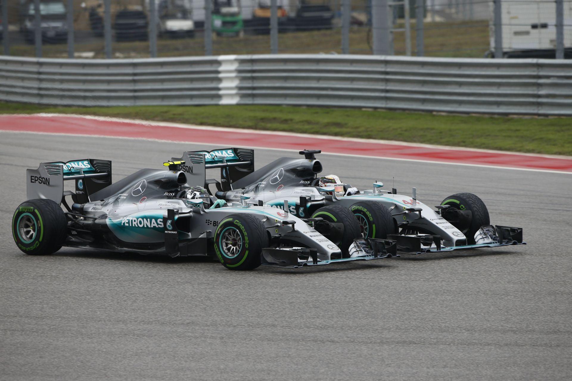 Segíteni Rosbergnek, hogy meglegyen a második hely?! Hamilton szerint ez lényegtelen kérdés