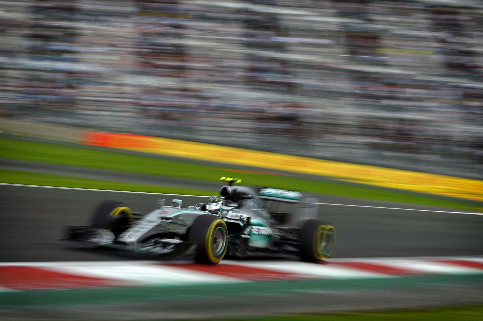 Rosberg finoman jelezte, hogy csak egy Ferrarival kell küzdenie holnap