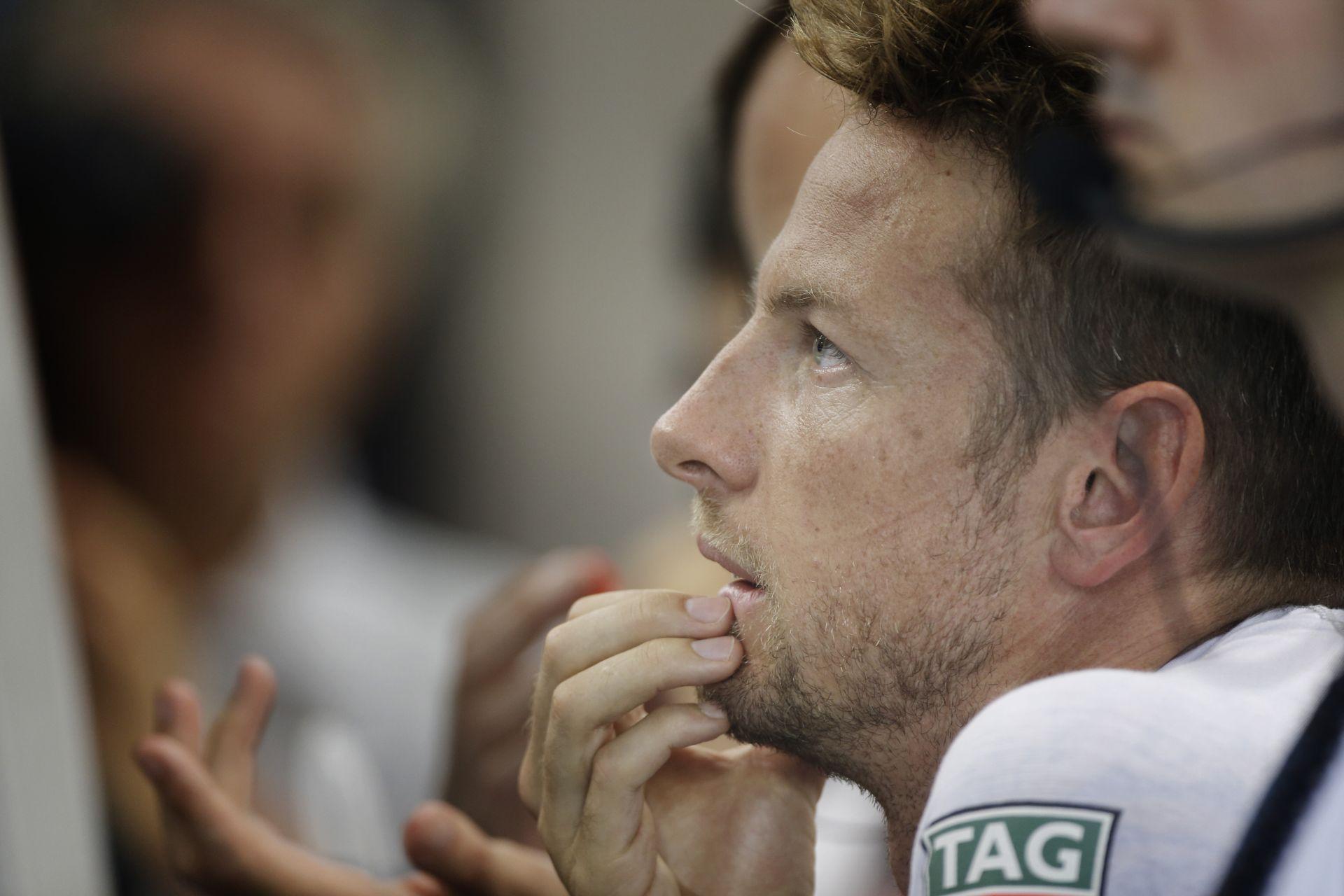 Button: Vettel talán azért szerezte meg a pole-t, mert változtatott a sisakján...