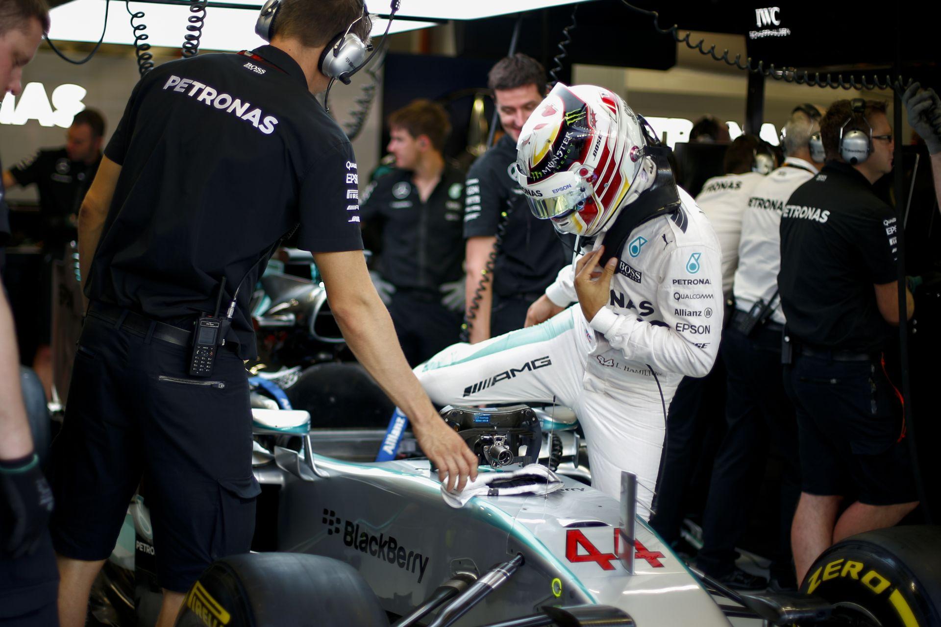 Egy sokkoló videó Szingapúrból: Vettel pole köre Vs. Hamilton Q3-as köre