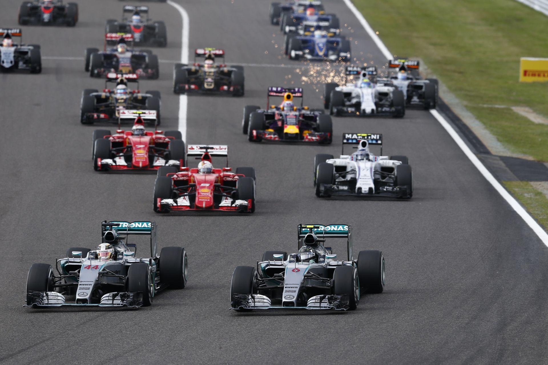 Videón a 2015-ös Japán Nagydíj startja: Rosberg beragad, Hamilton azonnal az élen