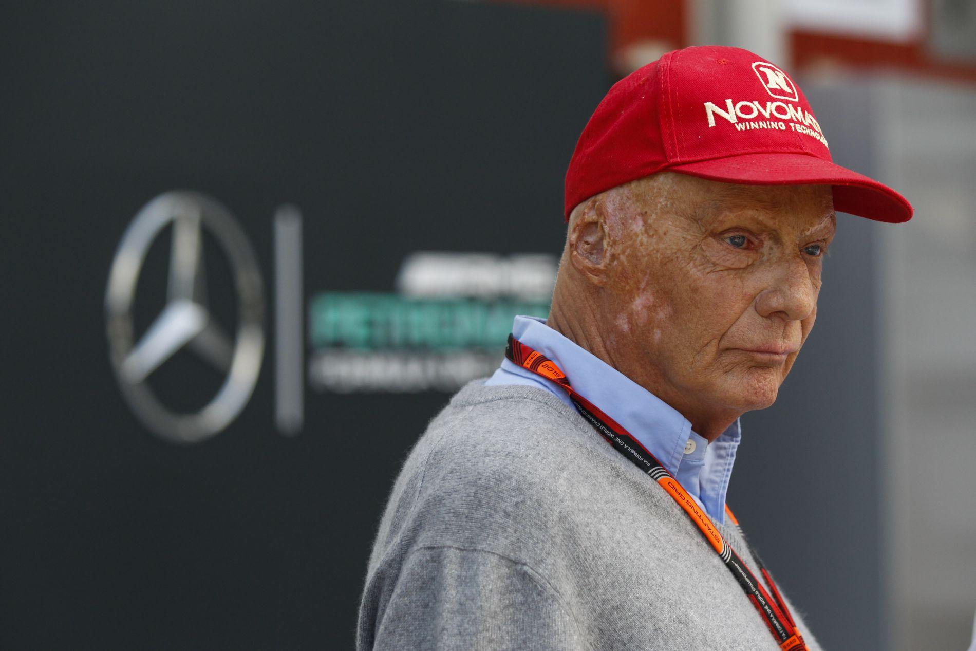 Vettel is ott volt a rajt előtti megemlékezésen, mégis szuper versenyt futott