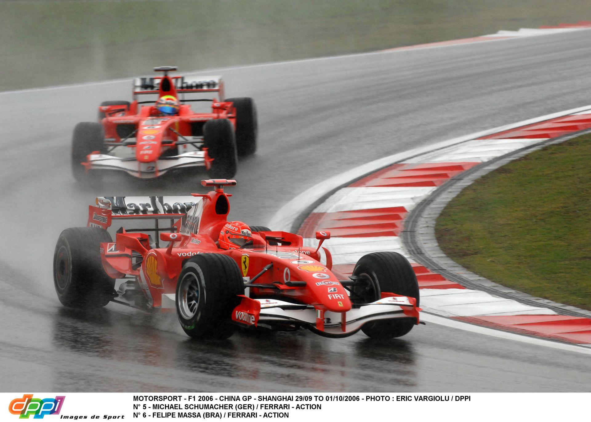 Élő F1-es műsor, MOST: Visszatérhetnek a V8-as motorok, három autóval a Ferrari és a Red Bull, Lotus F1-es nyereményjáték (LIVE)