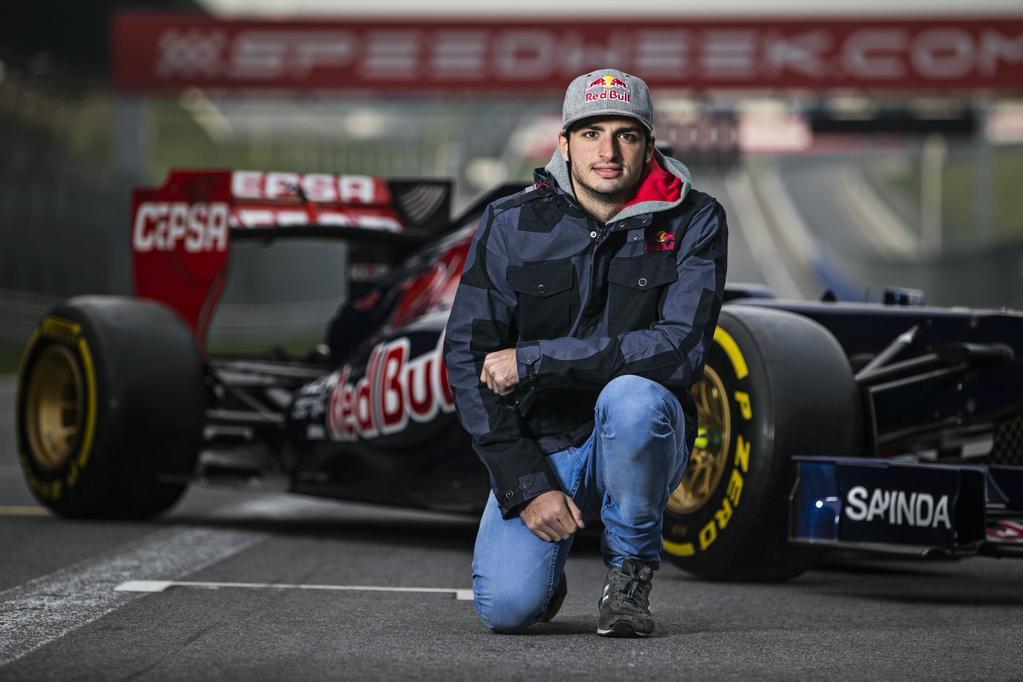 Hivatalos: Carlos Sainz Jr. lesz Max Verstappen csapattársa a Toro Rossónál! (frissítve)