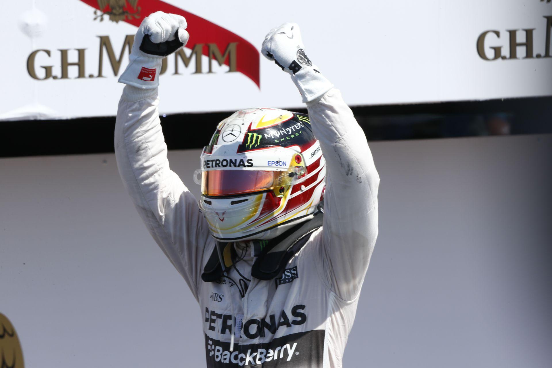Hamilton nyerte a 30. Magyar Nagydíj időmérő edzését Rosberg és Vettel előtt a Hungaroringen