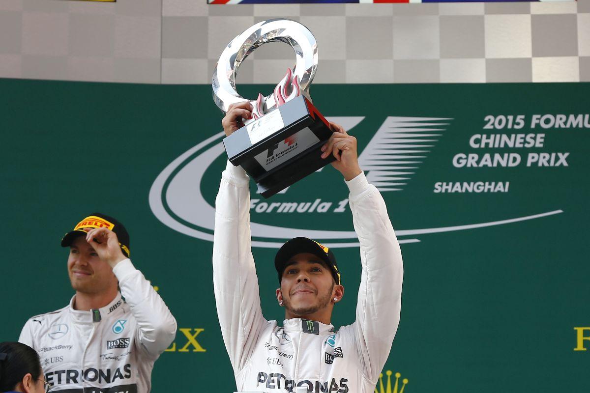 A Forma-1-es csapatfőnökök szerint Lewis Hamilton a legjobb!